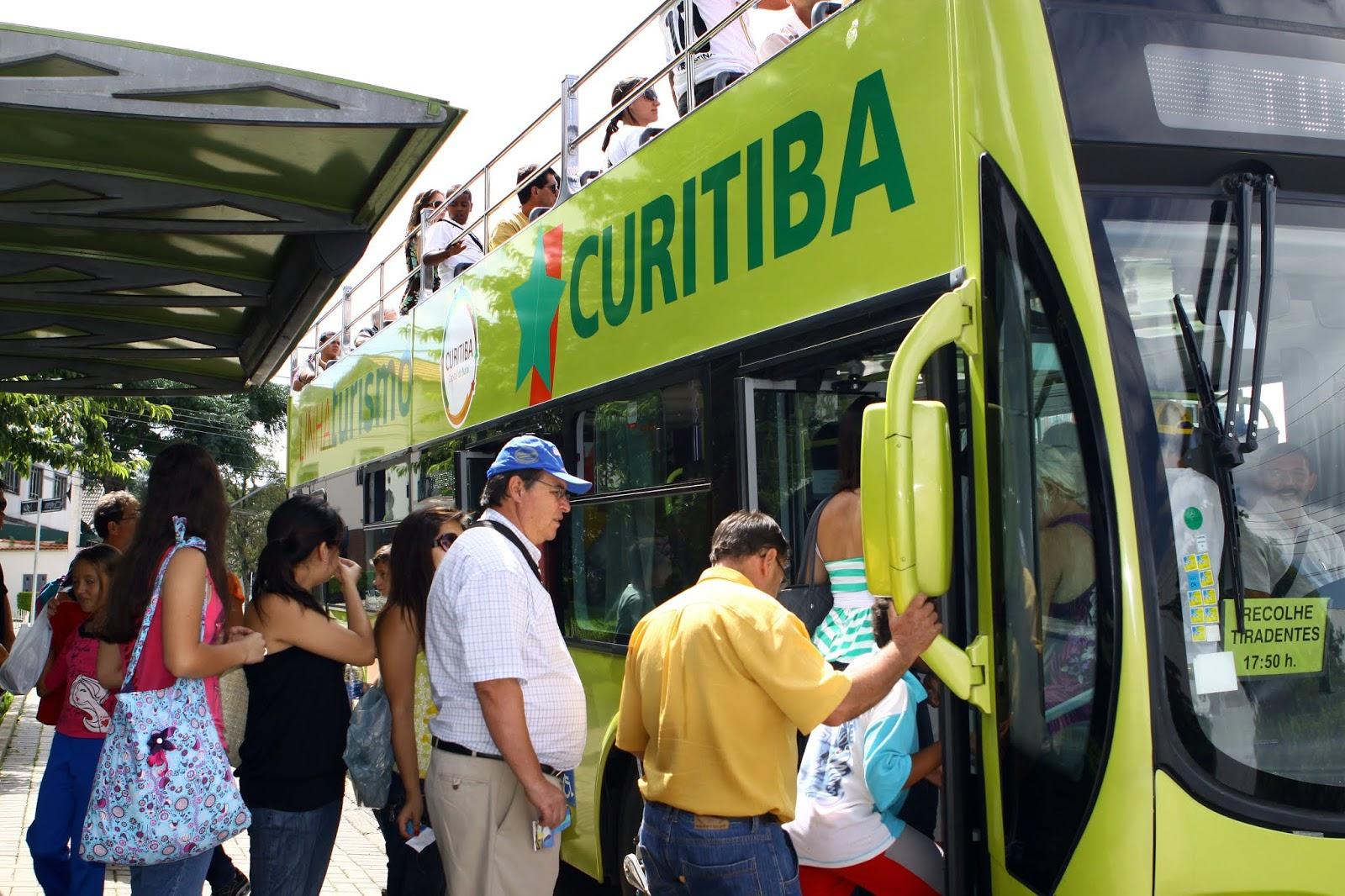 Dólar alto impulsiona procura por Curitiba em buscador de viagens