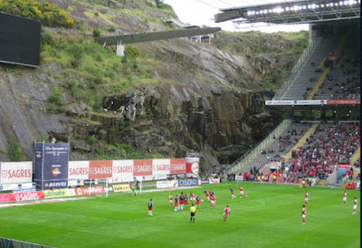 Daftar 5 Stadion Sepak Bola Terunik Dan Aneh Di Dunia