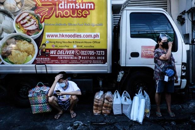 Philippines Imposes 1-Week Lockdown in Manila to Combat COVID-19 Infections.lelemuku.com.jpg
