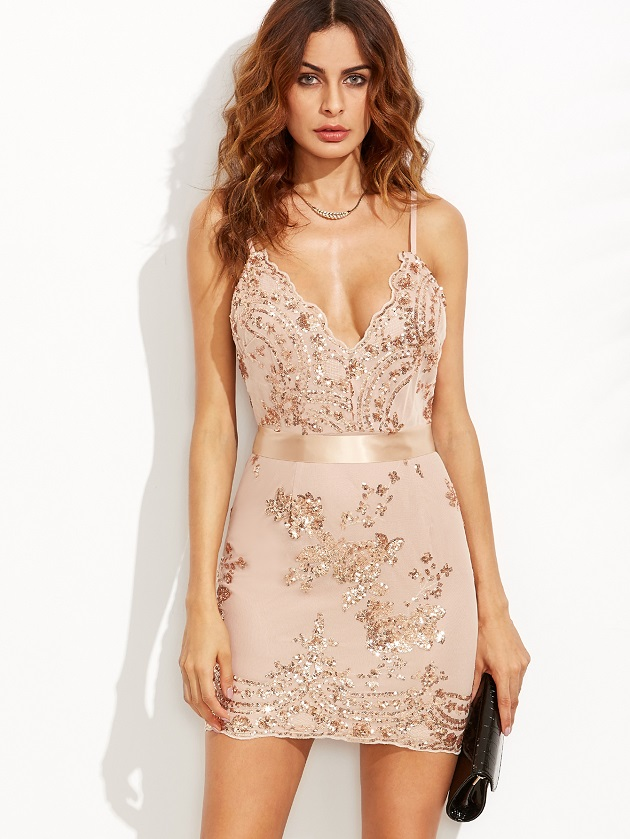 http://us.shein.com/Gold-Spaghetti-Strap-Open-Back-Sequins-Bodycon-Dress-p-302620-cat-1727.html?utm_source=libertadgreen.blogspot.com&utm_medium=blogger&url_from=libertadgreen