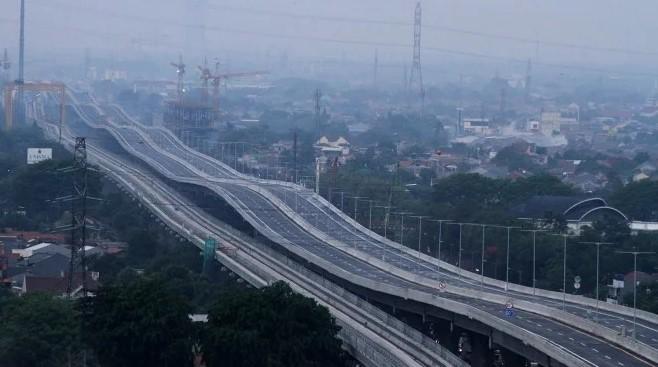 Heboh Tol Japek Buatan Jokowi Bikin Pusing, Mual dan Tidak Mengantuk