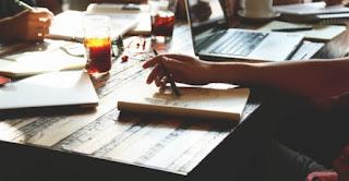 Top 10 cuốn sách hay nhất mà bất cứ người nào muốn bắt đầu kinh doanh, khởi sự doanh nghiệp cũng nên tìm đọc