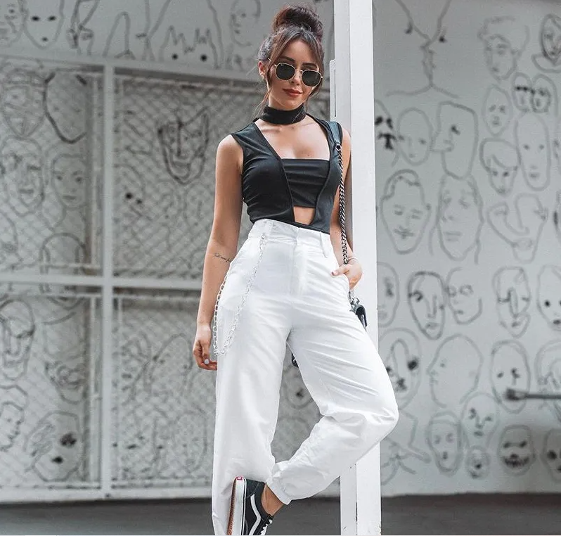 High Street Fashion for Flat-Chested Women