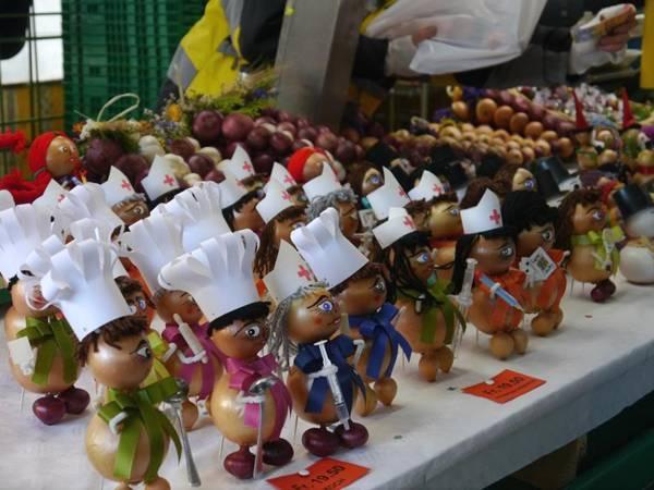 سوق البصل في بيرن (Zibelemäritباللغة الألمانية)  Image004-724579