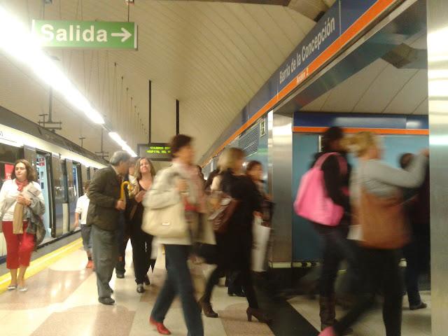 Mañana complicada en Madrid con las huelgas de transporte, la lluvia y los atascos
