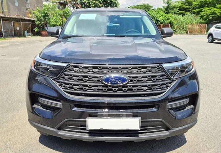 Ford Explorer 2020 phiên bản 'thiếu' không chính hãng về Việt Nam
