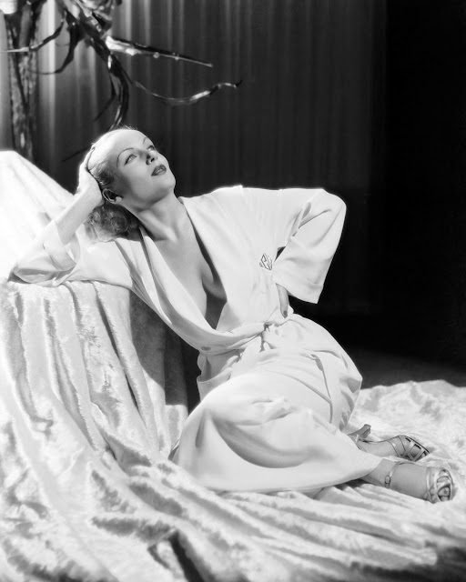 1935. Carole Lombard - publicity photo for Paramount
