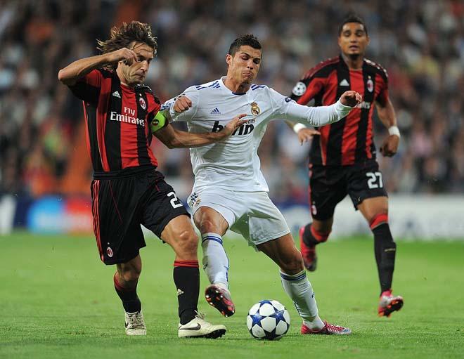"""""""Tay mơ"""" Pirlo chỉ là bình phong, Ronaldo mới là """"HLV"""" chỉ đạo Juventus? 2"""