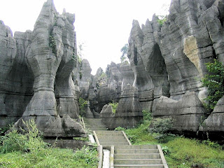 Shilin - The Stone Forest 001