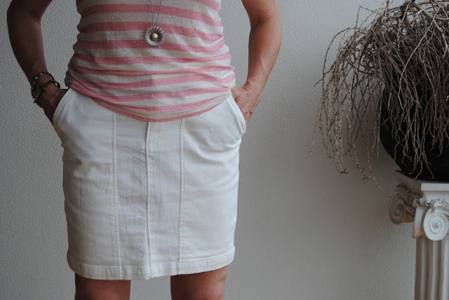White Country Road skirt