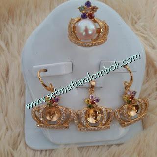 Model Perhiasan Emas Terbaru 2016