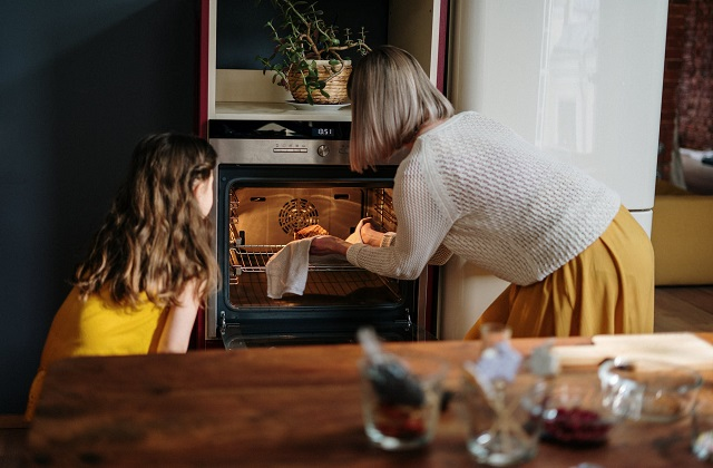 Mistake When Cooling Your Home This Summer: Using the oven during the day