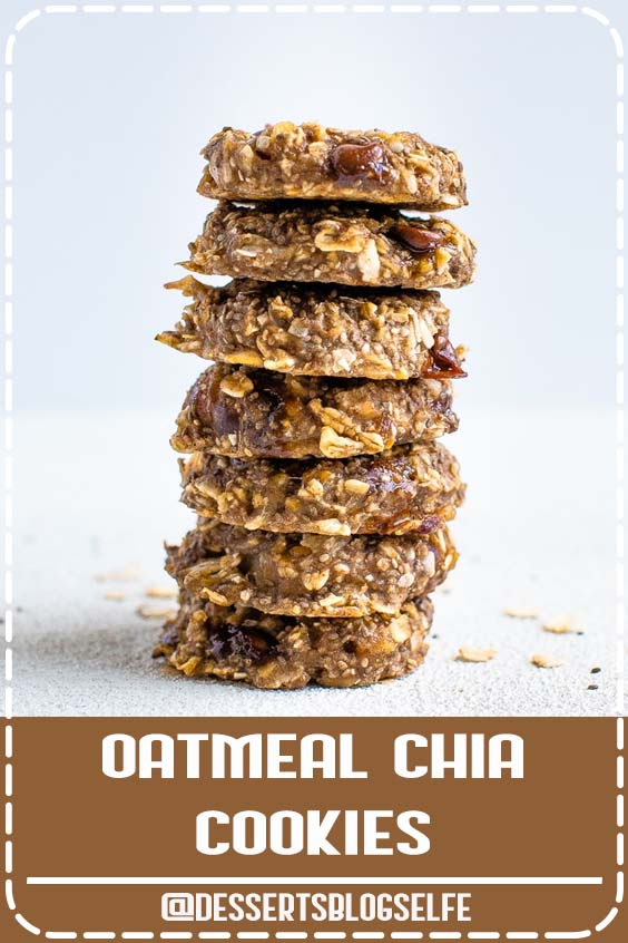 These oatmeal chia cookies are perfect for breakfast or as a healthy snack. The texture is chewy and similar to baked oatmeal. Plus they're portable and great for meal prep! #DessertsBlogSelfe #chiacookies #healtyoatmealcookies #glutenfreecookies #eatingbirdfood #chiaseedrecipe #HealthyDesserts