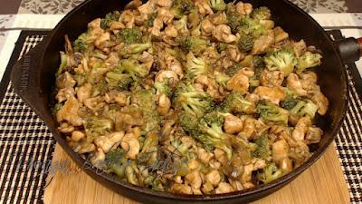 pierś kurczaka z brokułem