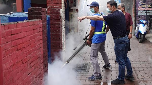 鹿港鎮清潔隊進行淹水地區消毒 杜絕病媒蚊及細菌滋生