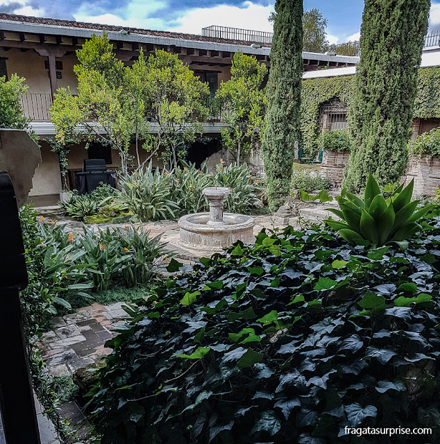 Jardins do Hotel Museu Casa Santo Domingo, Antigua Guatemala
