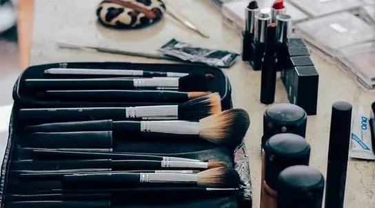 Cosmetic Shop Business Ideas In Hindi