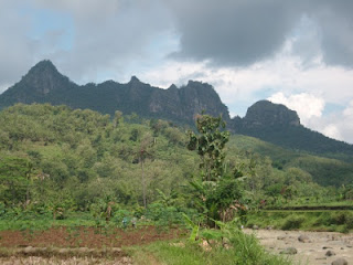 Tempat Wisata Gunung Bayangkaki