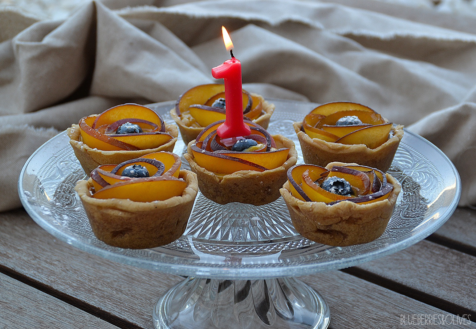 PEACH AND BLUEBERRY TARTLETS WITH VANILLA CUSTARD + BLUEBERRIES&OLIVES 1ST ANNIVERSARY