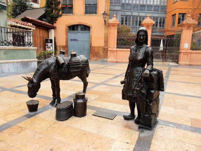 Plaza Trascorrales, Oviedo, La Vetusta, España, Elisa N, Blog de Viajes, Lifestyle, Travel