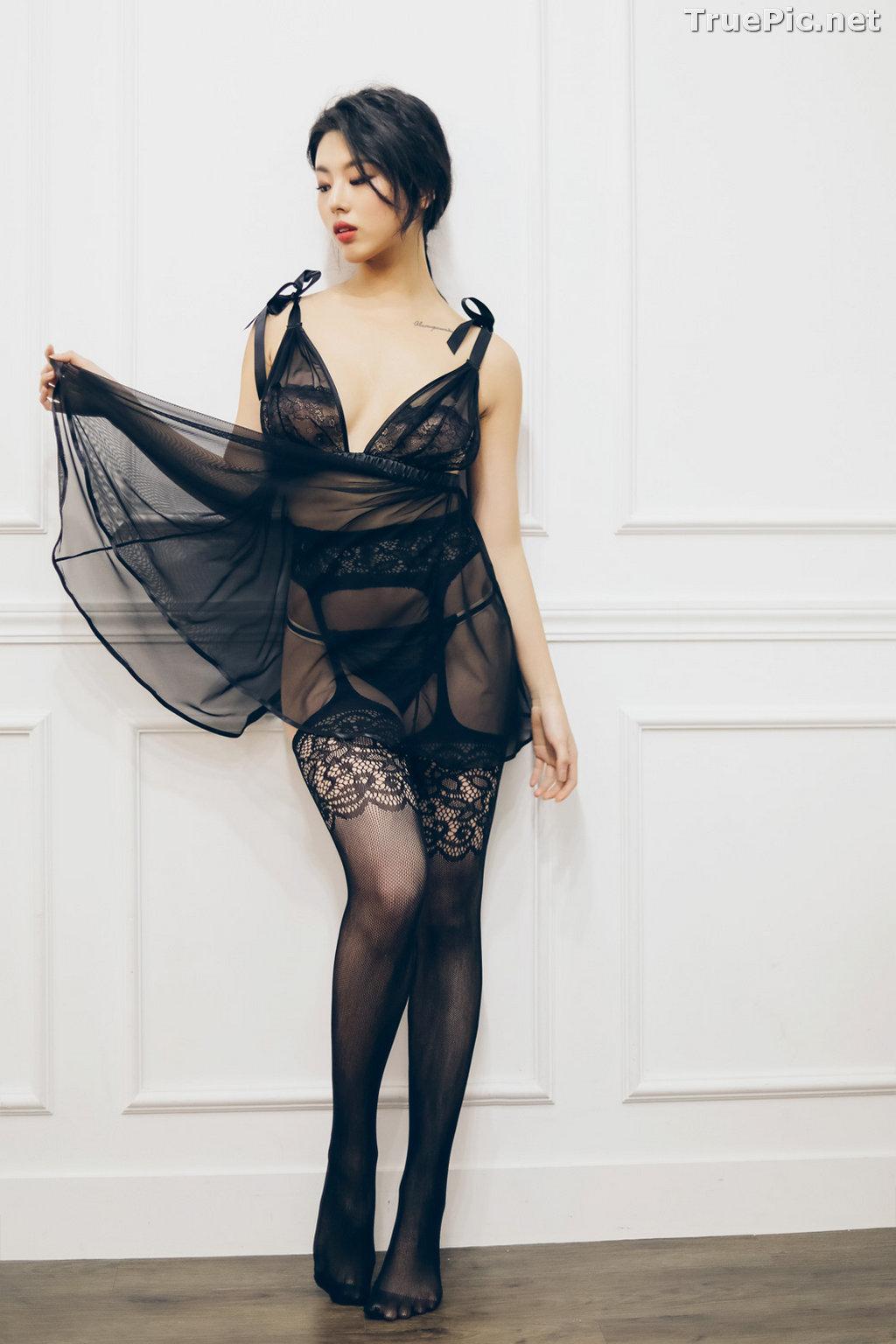Image Jung Yuna - Korean Fashion Model - Black Transparent Lingerie Set - TruePic.net - Picture-10