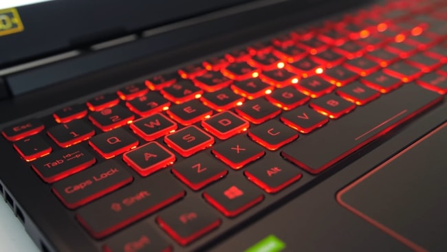 The keyboard has a single zonal Red backlit.