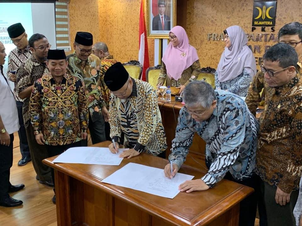 50 Orang Anggota Fraksi PKS Tandatangani Pansus Jiwasraya