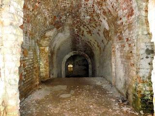 Тараканов. Форт. Сооружения форта