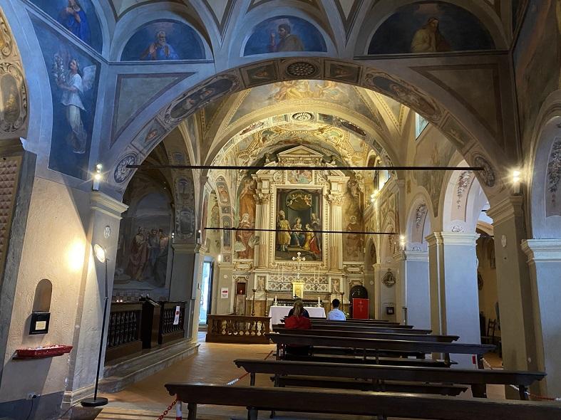 Interno chiesa dell'Eremo di Santa Caterina del Sasso