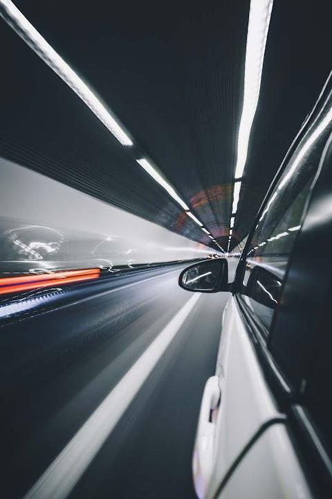 Tünel ve Otomobil
