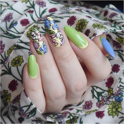 hybrydowe kwiatowe paznokcie