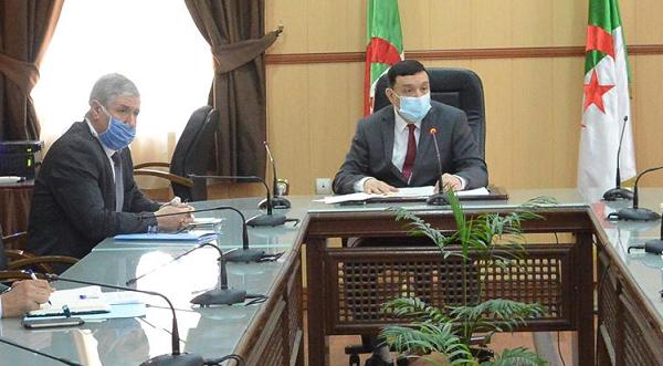 وزير التربية يلتقي ممثلي الأولياء للنظر في مصير الموسم الدراسي