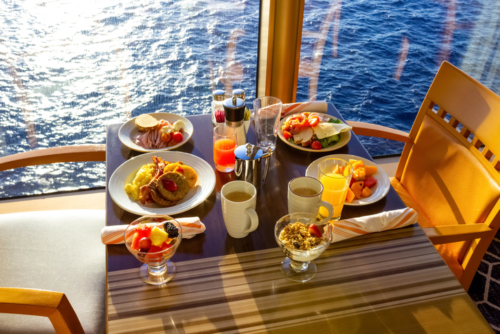 Luxury-Cruise-Dining