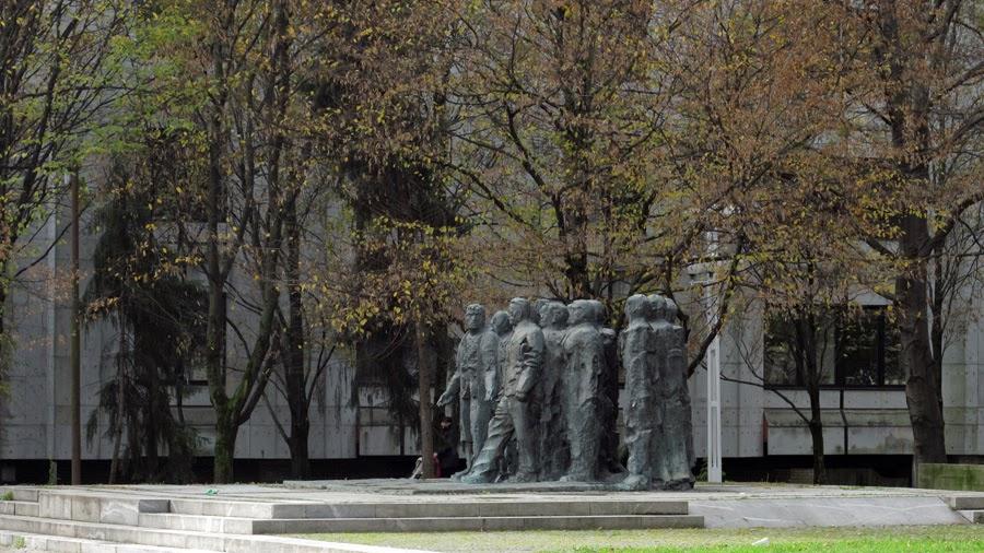 Simboli Polpretekle Zgodovine Ljubljana Spomenik Edvardu Kardelju