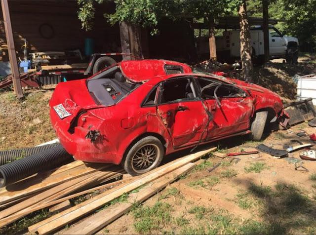 Padre destruye Audi A4 al encontrar a su hija con un joven