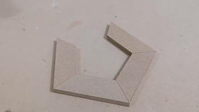 تجميع ألواح خشبية مقصوصة بزاوية 36 لعمل برواز شكل مضلع خماسي
