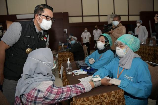Gubernur Jabar : Vaksinasi Massal Terus Ditingkatkan Selama PPKM Darurat