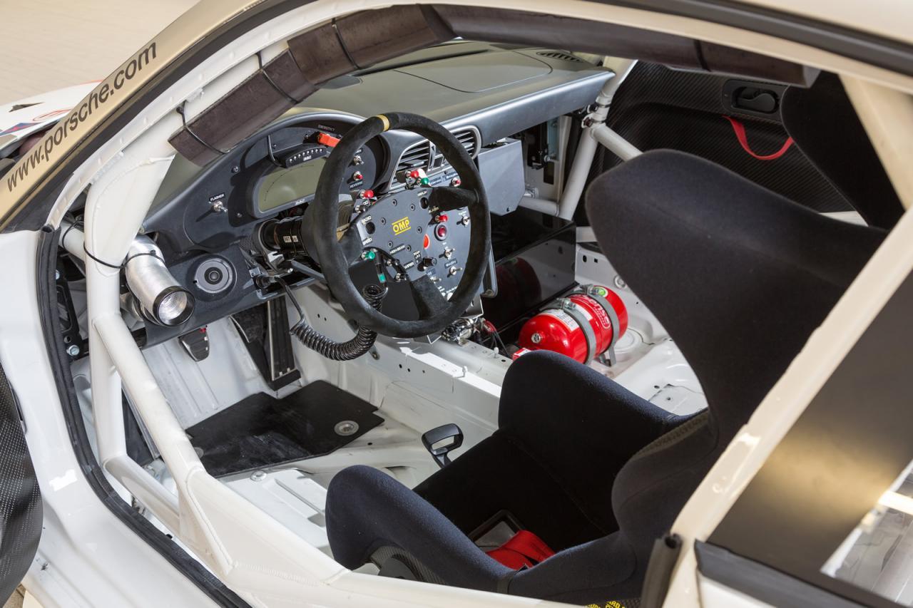 [Resim: Porsche+911+GT3+R+3.jpg]