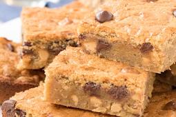 Peanut Butter Blondies #desserts #cakerecipe #chocolate