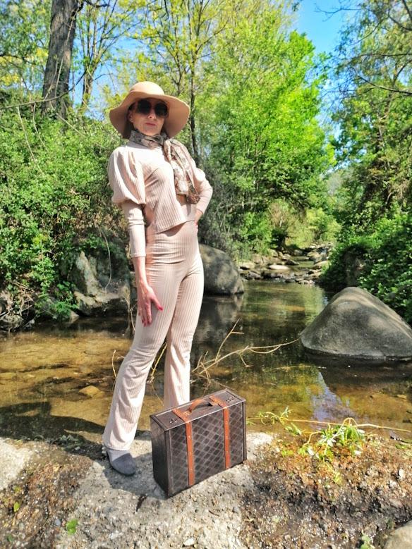 top travel blogger