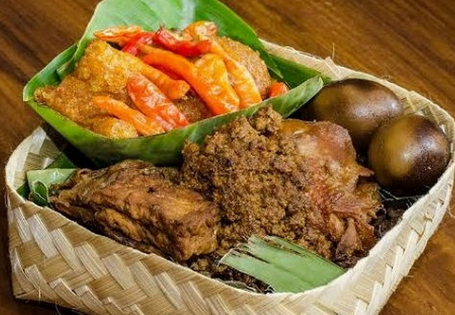 Xvlor Gudeg is Yogyakarta cuisine made from green jackfruit and coconut milk