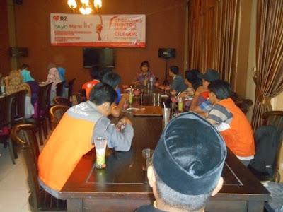 Sebanyak 30 Mentor RZ Cilegon Ikuti Pelatihan Penulisan di Saung Grogol