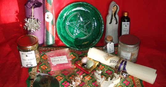 Wicca Christmas.A Bad Witch S Blog Pagan Shopping Wicca Moon Yule Ritual Box