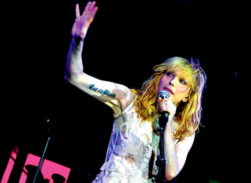 Courtney Love concert live paris