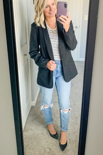 Mom jeans with blazer #momjeans