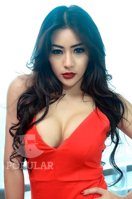 Helena Prissylia Cover Model Majalah Popular Februari 2016