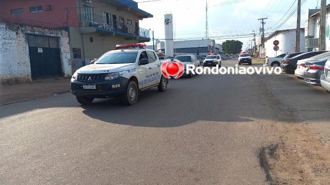 Trio é detido com dois veículos após amarrar vítima durante assalto em casa