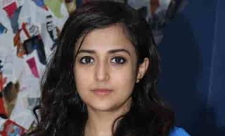 Artis-Penyanyi-Wanita-Bollywood-Monali-Thakur