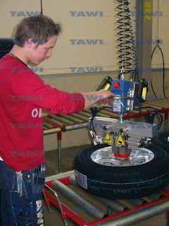 Lifting tires with ViperHoist