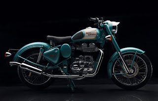 Royal Enfield Classic 500 side view.